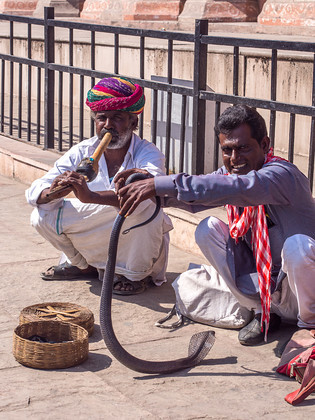 PA150404 